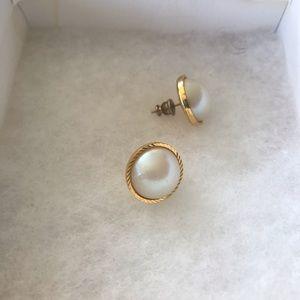 Gold rimmed pearl earrings